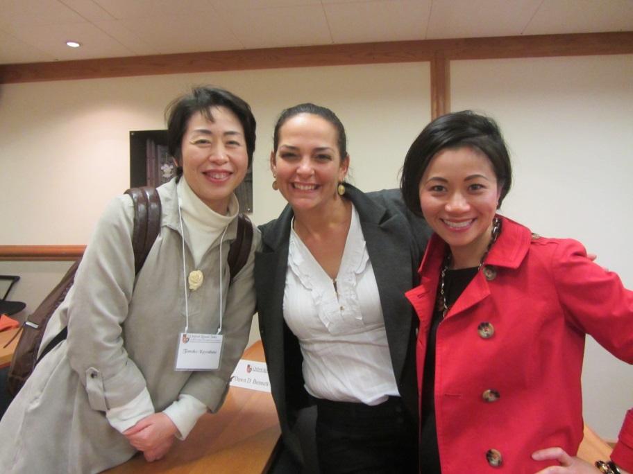 מצד ימין: Nori Shoji—Schaffner: Adjunct Professor, Ohio Christian University, United States, מצד שמאל: Tomoko Kawabata, Associate Professor, Hokkaido University, Japan
